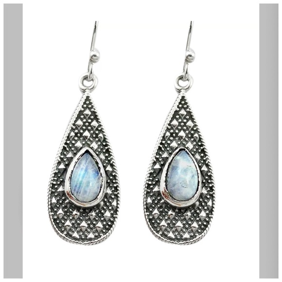 Pretty Girl Swag Jewelry Jewelry - SOLD OUT 925 Moonstone Drop Dangle Earrings